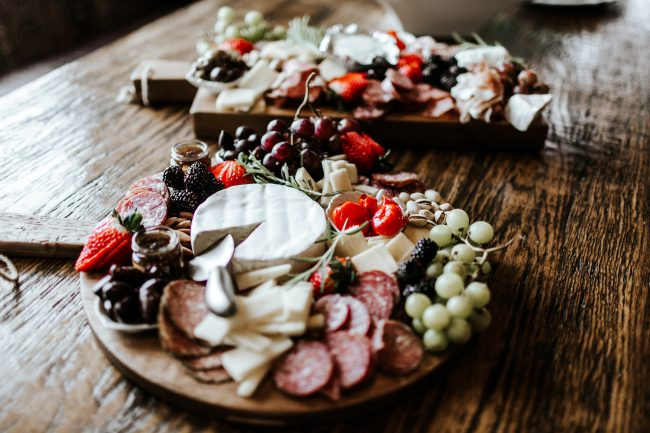 beautiful-rustic-charcuterie-board