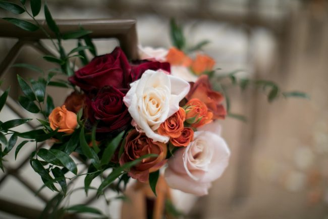 modern-wedding-flowers-blush-red-orange
