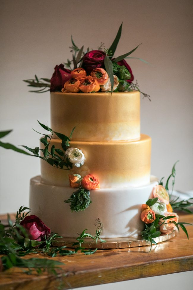 tropical-hawaii-wedding-cake-ideas
